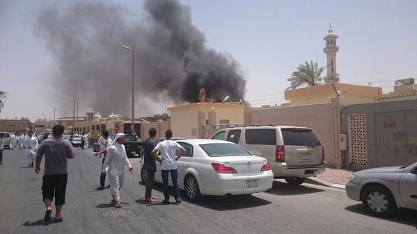 Gun, bomb attack on Shiite mosque in Saudi