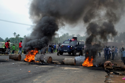 Kaduna youths block roads, protest 10-month power outage