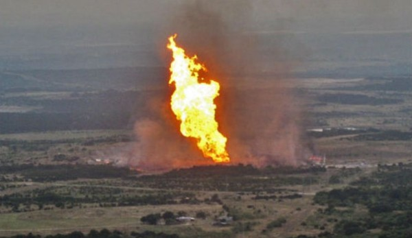 Niger Delta Avengers blow up oil pipeline again