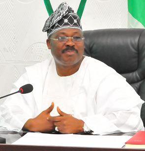 Ajimobi promises distribution of food items to Oyo residents