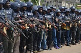 SUFETO JANAR NA 'YAN SANDAN NIGERIA YA BA DA UMURNIN TURA JAMI'AN 'YAN SANDA ZUWA DUKKAN LUNGUNA DA SAKO YAYIN BIKIN KARAMAR SALLAH
